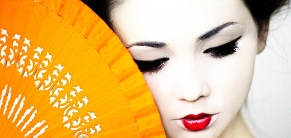 Young geisha dancing